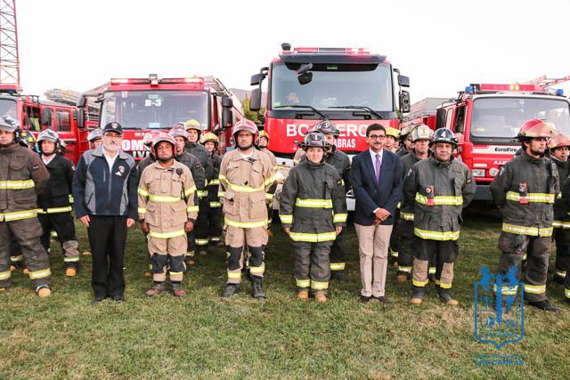 Cuerpo de Bomberos de Las Cabras es homenajeado por su participación en los incendios forestales