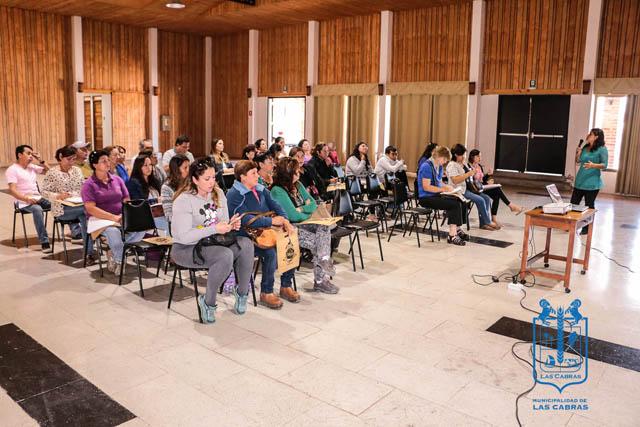 Sercotec realiza charla en Las Cabras
