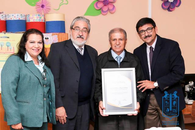 Reconocimiento a la Escuela Vilma Aliga Calderón