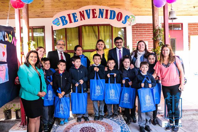 Alcalde Rigoberto Leiva Parra continuó con sus vistas en escuelas