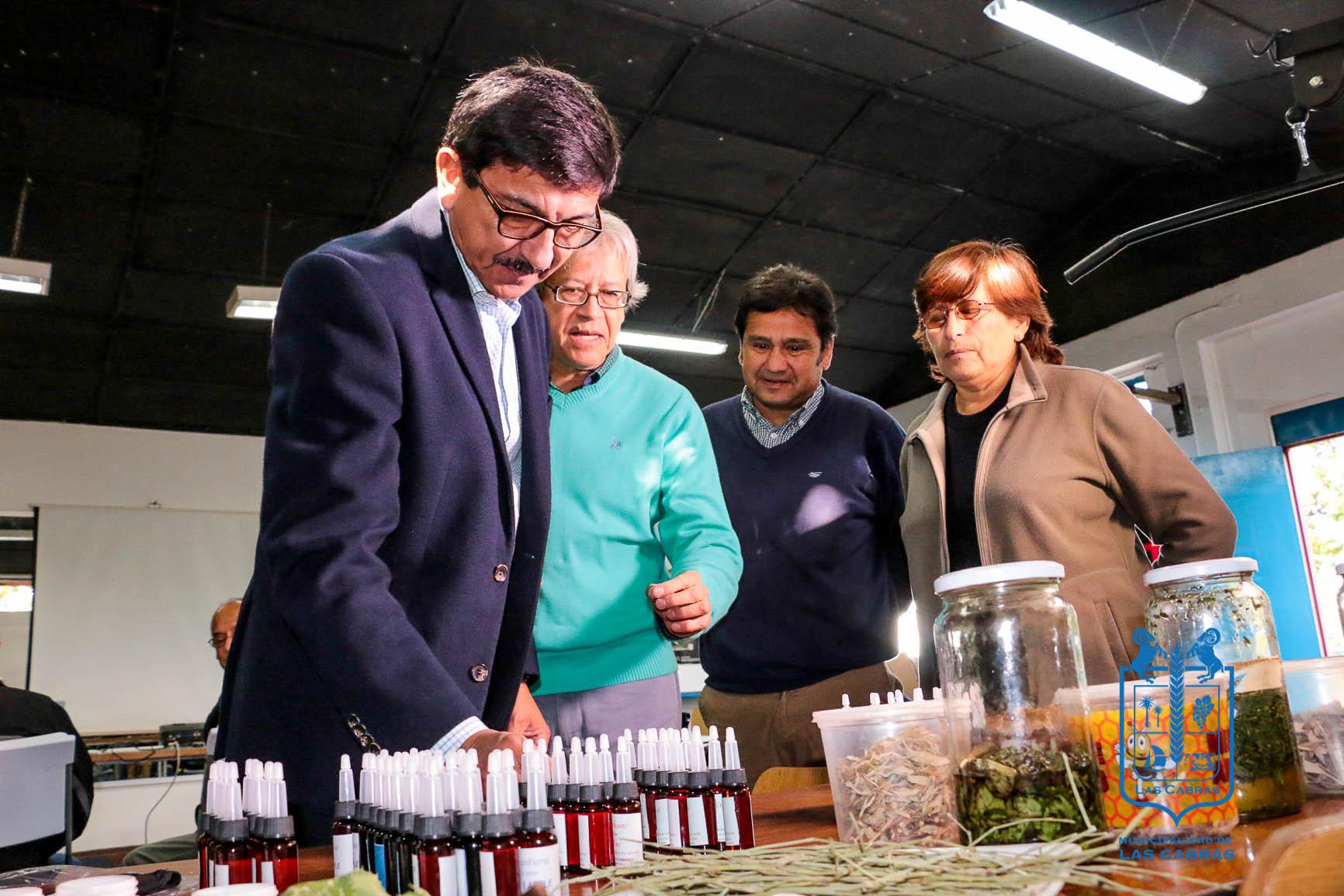 Taller de Medicina Herbaria Realizó Muestra de Productos